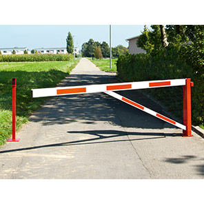 COMPACT Red/White Rotating Road Barrier